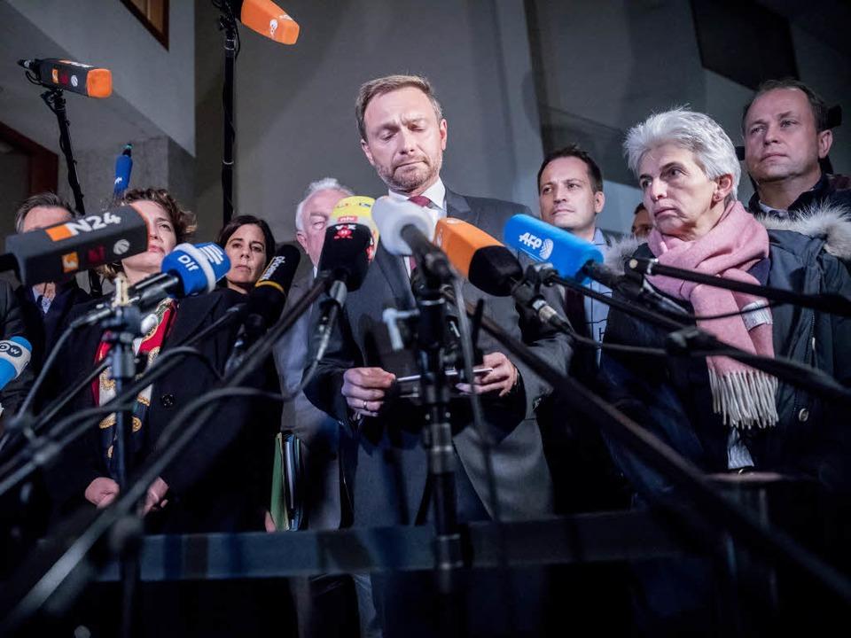 FDP-Chef Christian Lindner äußert sich zum Scheitern der Jamaika-Sondierungen.  | Foto: dpa