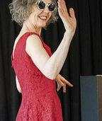"""Monolog """"Das rote Kleid"""" von der Schweizer Schauspielerin Franziska von Blarer in Weil am Rhein"""