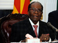 Robert Mugabe weigert sich, die Macht abzugeben
