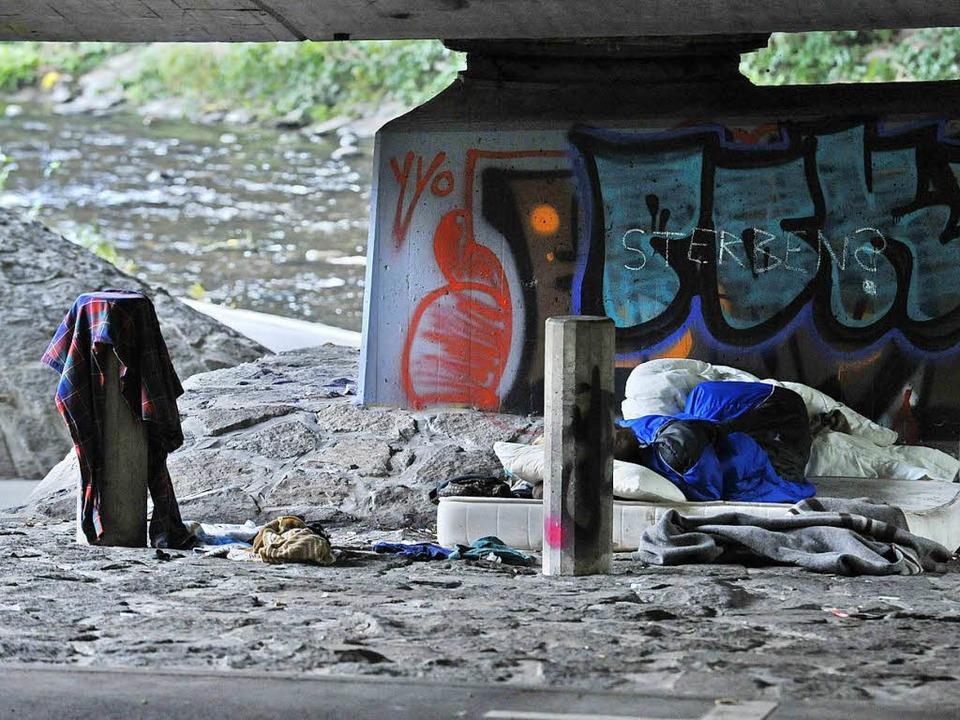 Einige Obdachlose übernachten an der Dreisam (Symbolfoto).  | Foto: Michael Bamberger