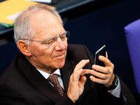 Netz lacht über Schäubles Tweet-Verbot im Bundestag
