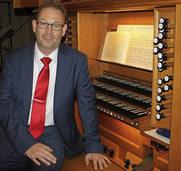 """Organist Carsten Klomp spielt in der der evangelischen Kirche Schopfheim Bachs """"Clavierübungen"""""""