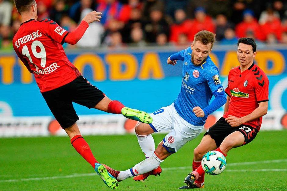 Der SC Freiburg kämpft und gewinnt gegen Mainz mit 2:1. (Foto: dpa)