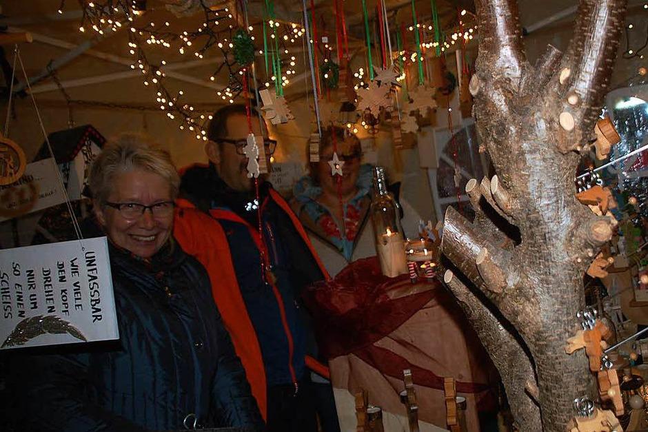 Impressionen vom Weihnachtsmarkt in Adelhausen (Foto: Petra Wunderle)