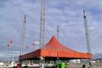 Viele, viele Teile ergeben ein Zelt