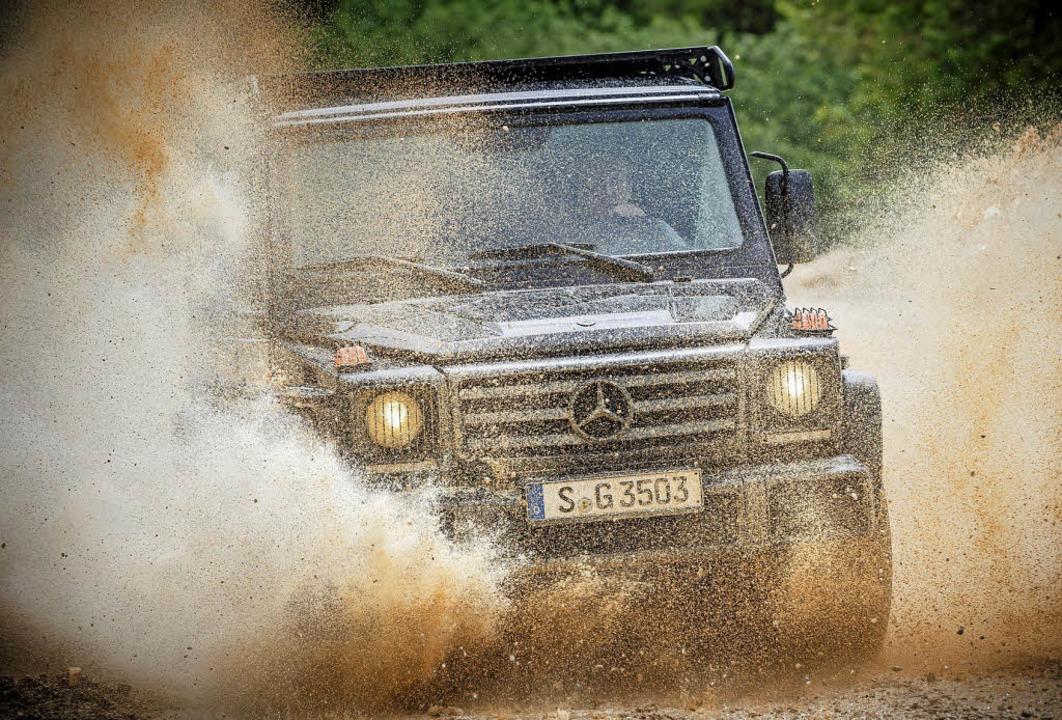 Die G-Klasse von Mercedes ist für schl...tet aber auch auf der Straße Vorteile.  | Foto: Daimler AG/dpa