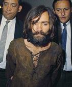 Zwischen Roth und Manson