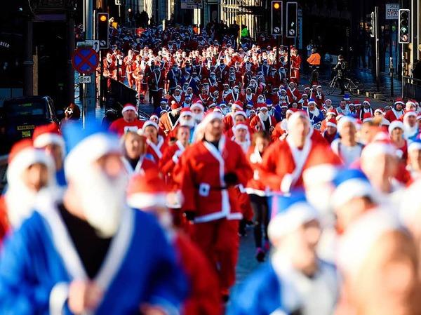 Weihnachtsmann-Wettrennen in Liverpool
