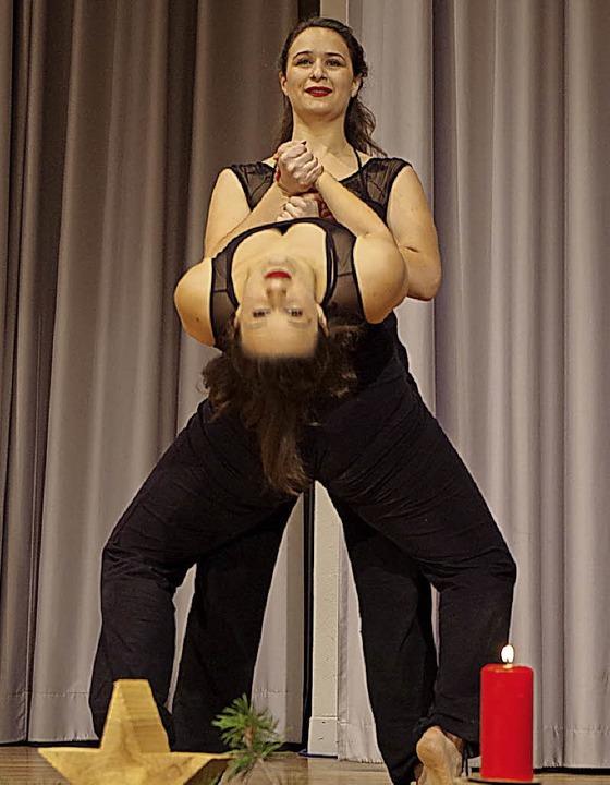 Ausdrucksstark: Tanz-Duo Charlotte und Katharina Aschenbrenner.  | Foto: Katharina Bächle