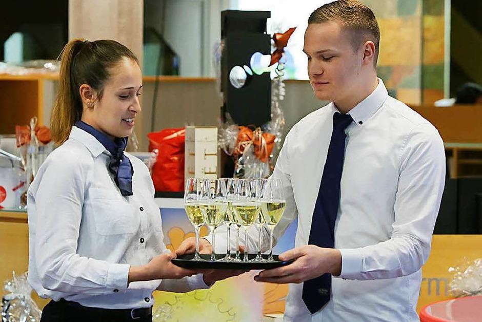 Die 40. BZ-Weinprobe m,it Wein, Musik, Gesprächen und Tombola (Foto: Christoph Breithaupt)