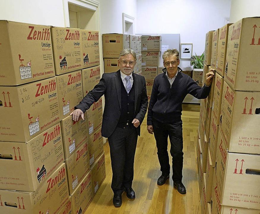 Gepackte Kisten am Holzmarkt: Der Leit...zug Mitte Dezember abgeschlossen ist.   | Foto: Ingo Schneider
