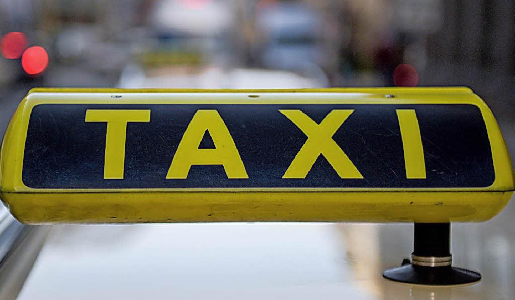 in hamburg wird das taxi teilen chic wirtschaft. Black Bedroom Furniture Sets. Home Design Ideas