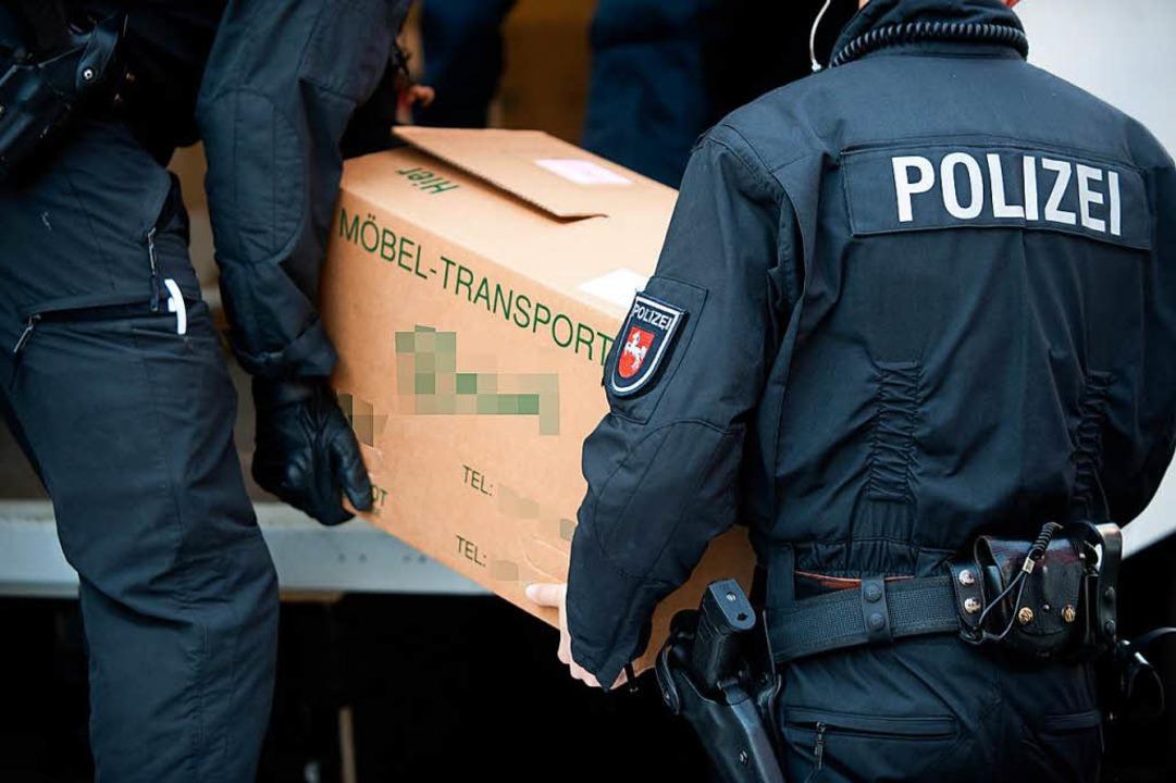 Auch in Niedersachsen führte die Polizei Durchsuchungen durch (Symbolbild).  | Foto: dpa