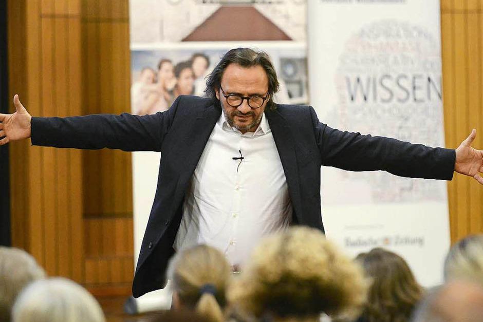 Peter Brandl, der Berufspilot, Unternehmer und Autor beim BZ-Wissensforum. (Foto: Ingo Schneider)