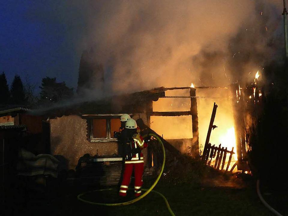 Eine Gartenhütte ist in der Gettnau abgebrannt.  | Foto: Axel Kremp