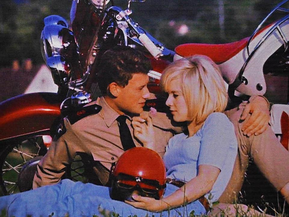 Johnny Hallyday bei einem Motorradausf...it Freundin Silvie Vartan in Durbach.   | Foto: Ausstellungsfoto