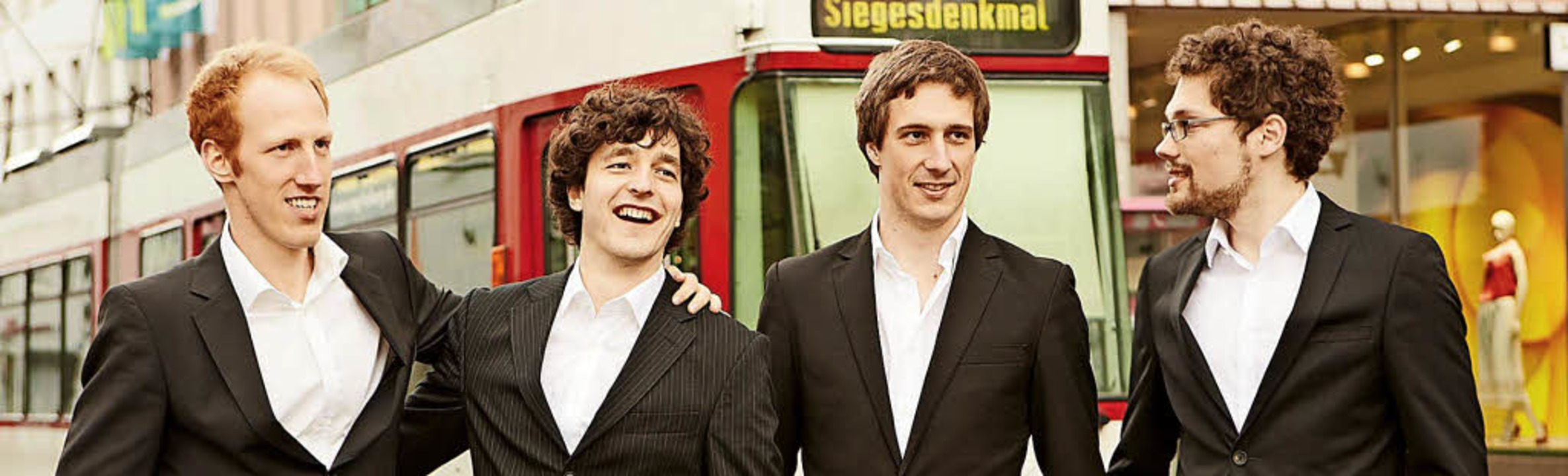 Das Herrengedeck. Von links: Johannes ...ützer, Sebastian Lau, Adrian Goldner    | Foto: Pro