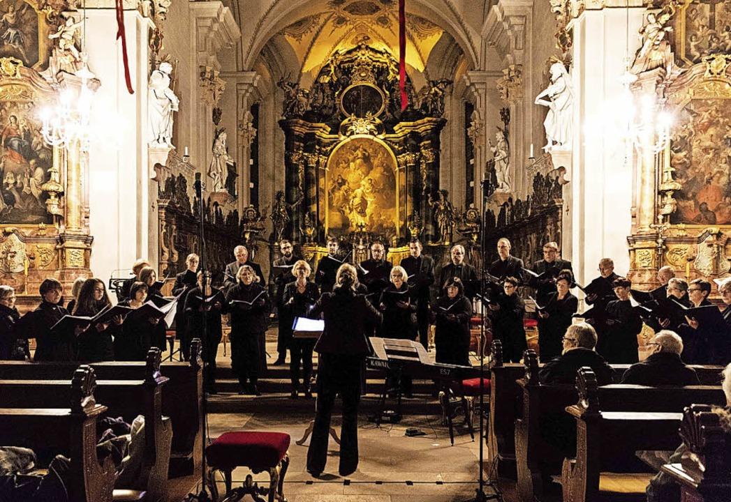 Sänger und Musiker der Neuapostolische... Margarethen ein adventliches Konzert.  | Foto: Gabriele Zahn
