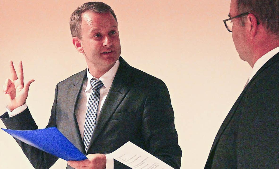 Dienstag, 5. Dezember,19.52 Uhr: Pasca...als neuer Bürgermeister von Ringsheim.  | Foto: KLaus Fischer