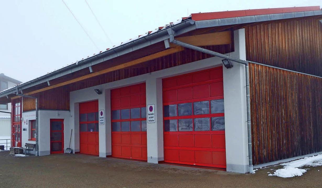 Die Erweiterung des Feuerwehrgerätehau...enbach will die Gemeinde 2018 angehen.  | Foto: Wolfgang Adam