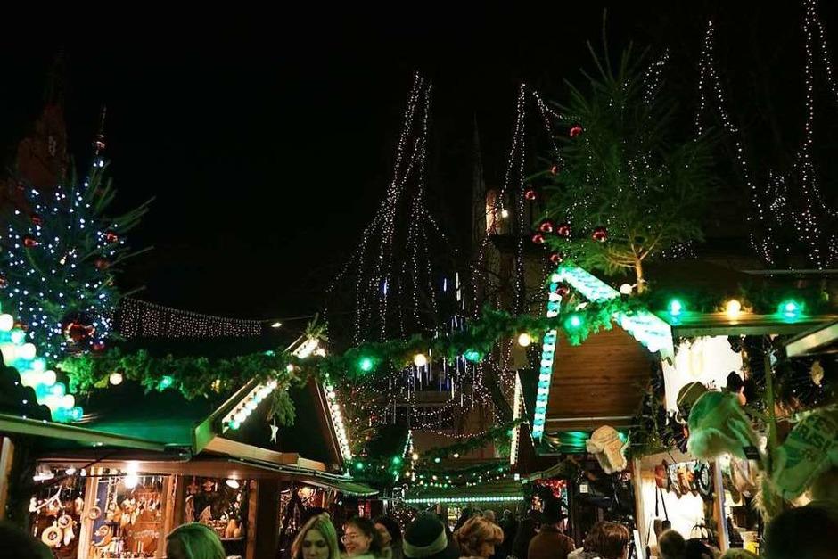 """Stefan Voigt, einer der Gewinner vom BZ-Wettbewerb """"Badens schönstes Foto"""", hat die weihnachtliche Stimmung in Freiburg eingefangen. (Foto: Stefan Voigt)"""