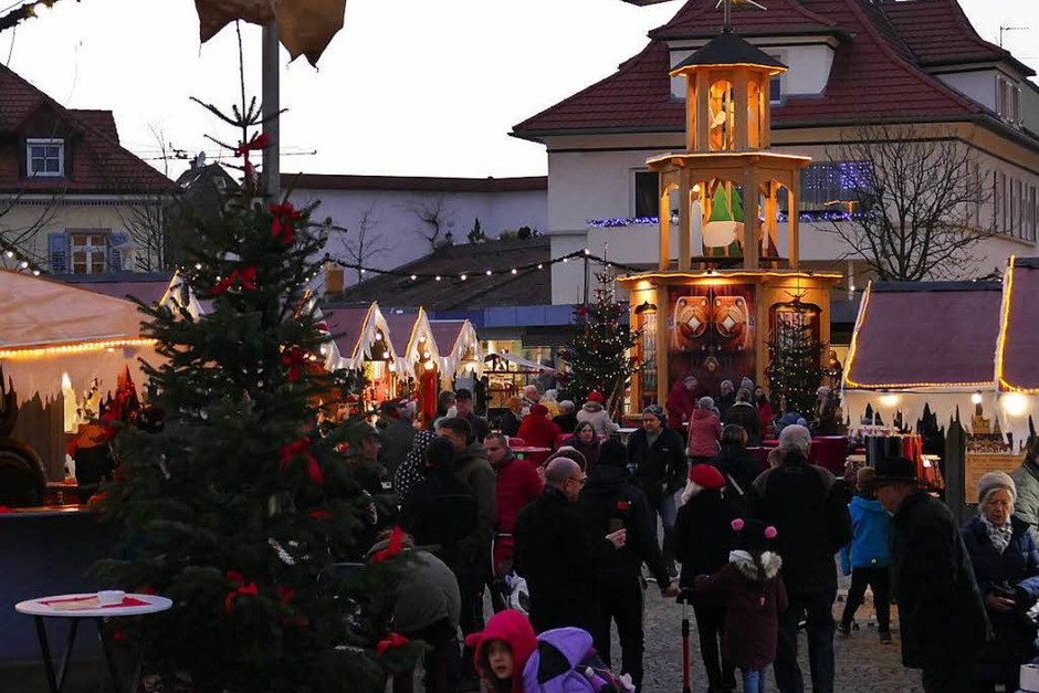 Impressionen vom Weihnachtsmarkt in Bad Krozingen auf dem Lammplatz (Foto: Hans-Peter Müller)