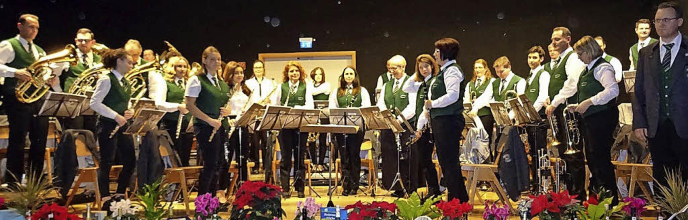 Jochen Schwenk (ganz rechts) an seinem...skonzert mit dem Musikverein Feldkirch  | Foto: Privat