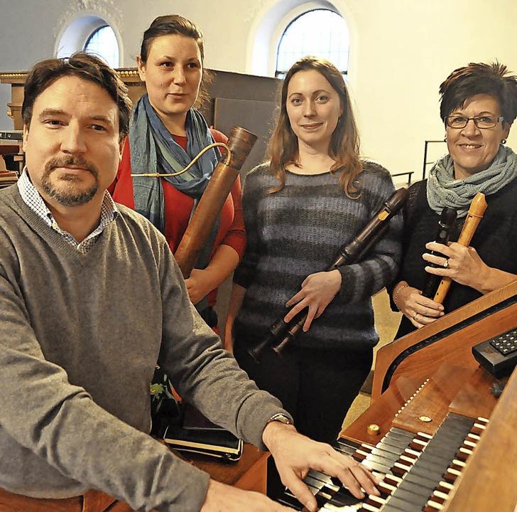 "Johannes Menke, Teresa Ortner, Susanne...en von ""Hilfe zum Helfen""   | Foto: Daniel Gramespacher"