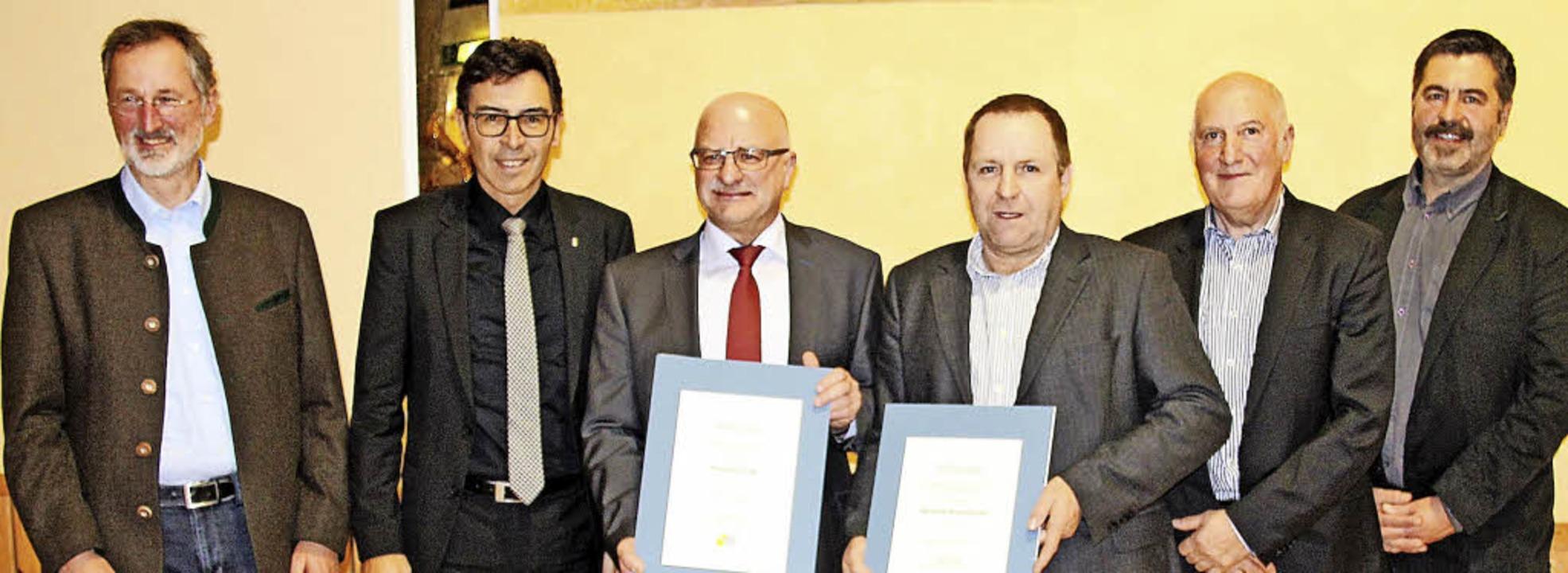 Preisverleihung (v. l.):  Martin  Schr...ll), Peter Heuken und  Hansjörg Haas.   | Foto:  Peter Meier