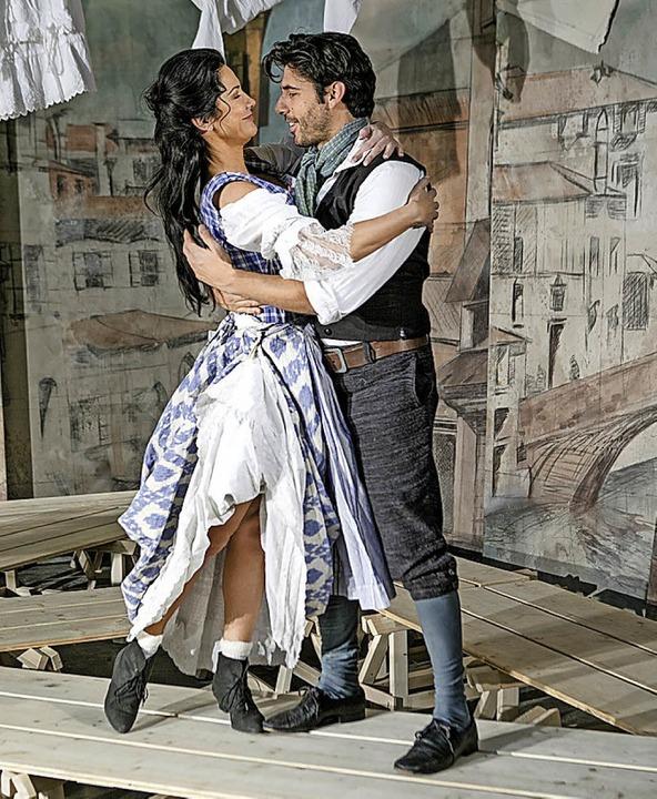 Umworben: Mirandolina, gespielt von Mariella Ahrens    | Foto: L. LaRocca