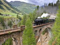 Das erleben Sie: Dampfzugfahrt in Graubünden, Tunnelbaustelle, Rolls-Royce-Museum und St. Gallen