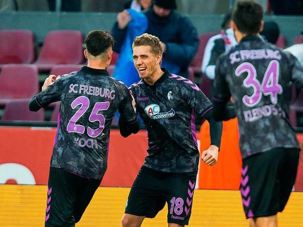 Unweigerlich der Spieler des Spiels: Nils Petersen erzielt drei Treffer und schießt den Sportclub fast im Alleingang zum Auswärtssieg.