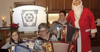 Weihnachtslieder und Krabbelsack