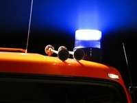 Mann schläft in seinem Auto ein und verbrennt