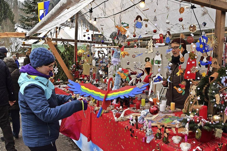 Weihnachtsmarkt in Präg mit vielfältigem Angebot (Foto: Ulrike Jäger)
