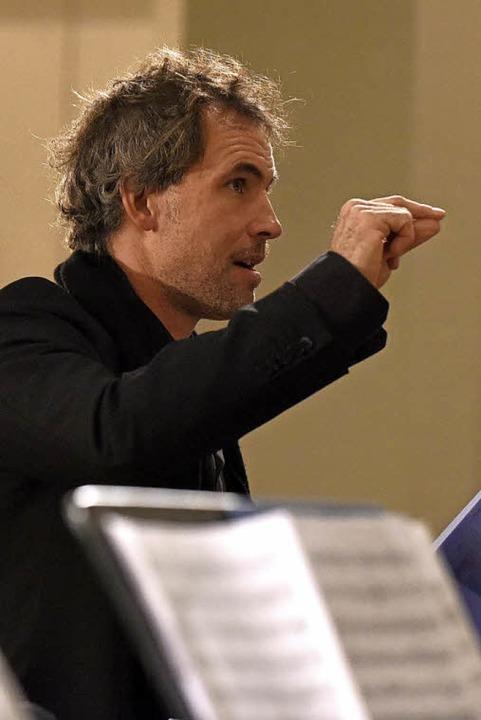 Dirigent Florian Combosch  | Foto: Rita Eggstein