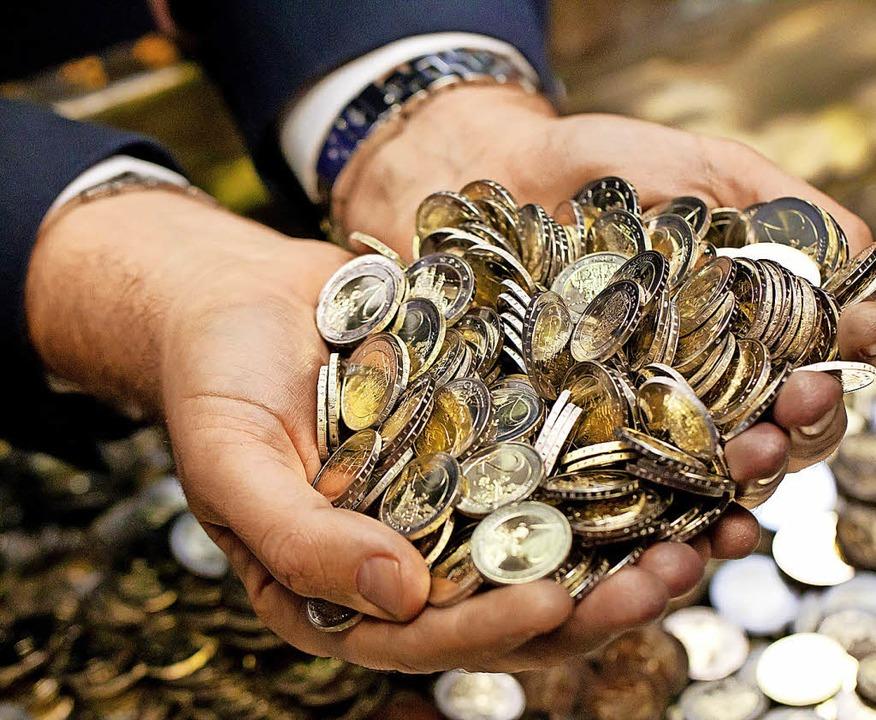 Kräftig Geld ausgegeben wird 2018 für Investitionen.   | Foto: S.Hoppe (dpa)