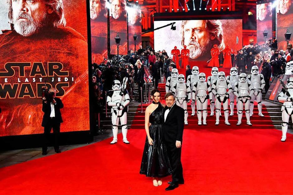 Schauspielerin Daisy Ridley und ihr Kollege Mark Hamill (Foto: dpa)