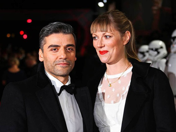 Schauspieler und Musiker Oscar Isaac mit Filmregisseurin Elvira Lind