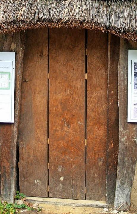 Durch diese Tür kommt man in das Museum.  | Foto: Anja Kunz