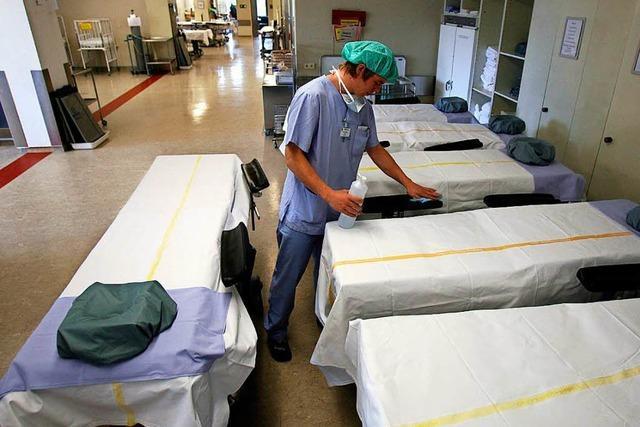 Ein Pfleger spricht über seine Arbeit am Limit in der Uniklinik