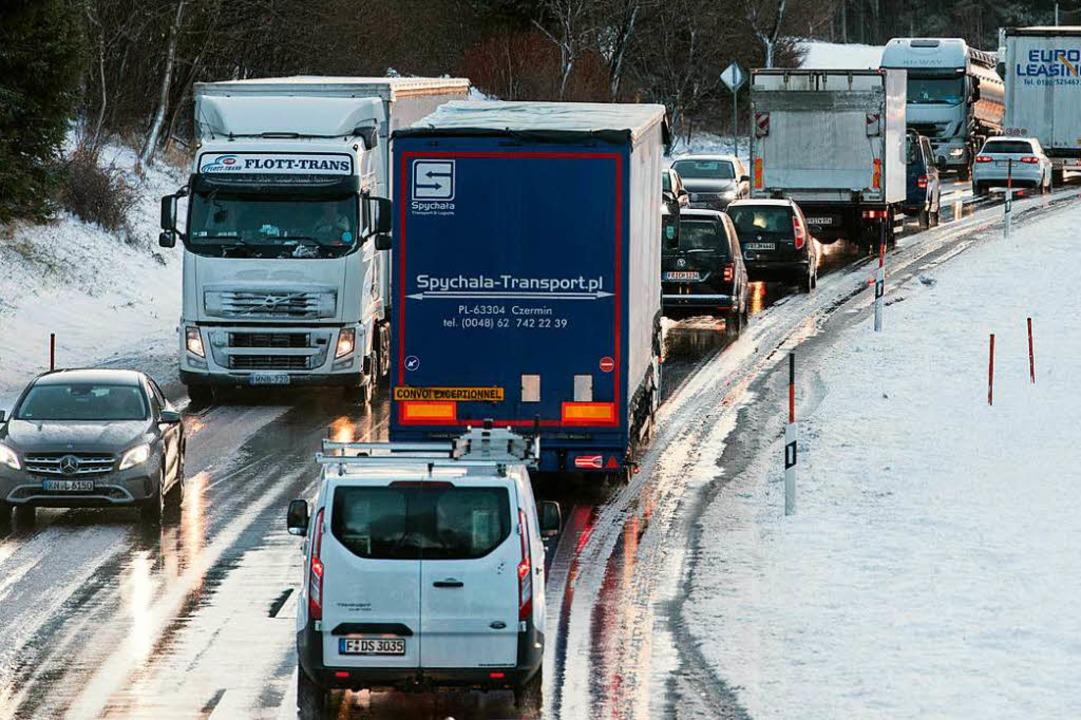 Die Verkehrslage soll sich wieder beruhigen.  | Foto: dpa