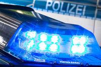 Betrunkener Autofahrer kommt von Fahrbahn ab – Beifahrer schwerverletzt