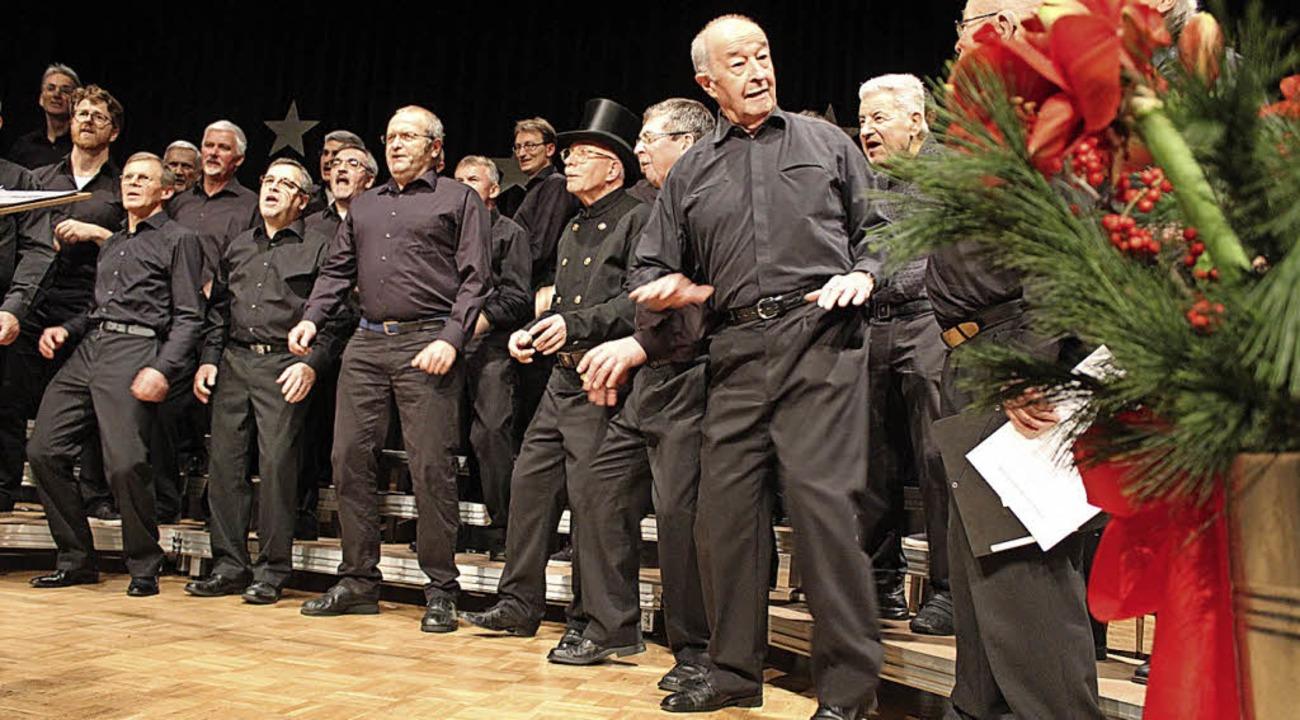 Nicht nur Gesang, auch Choreographie bot der MGV.  | Foto: Erich Krieger