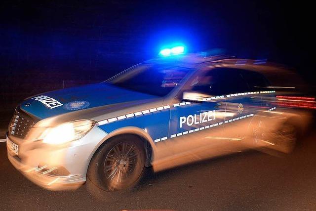Auto erfasst Mann - 46-Jähriger stirbt in Klinik
