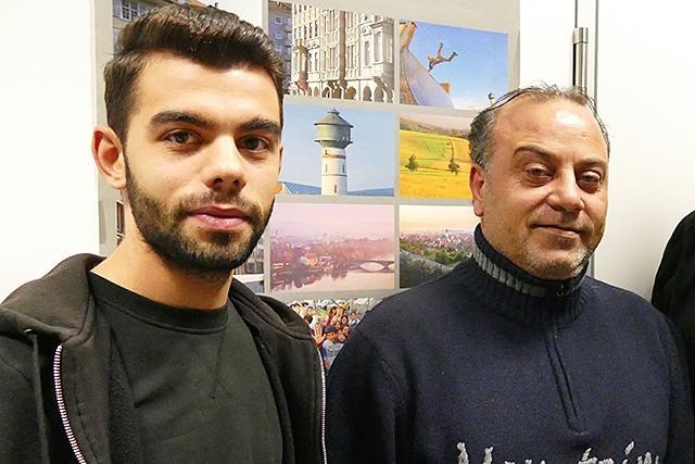 Wie zwei syrische Flüchtlinge auf ihre Familien warten