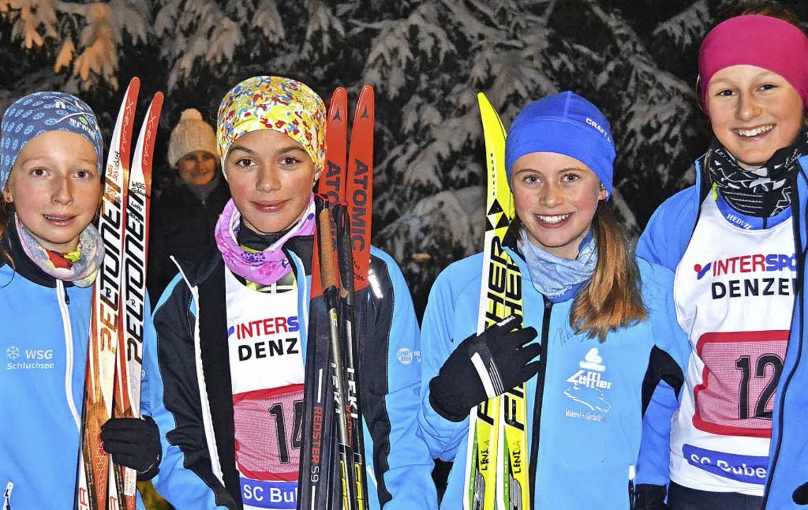 Stolze Siegerinnen: Bei den Schülerinn...n der WSG Schluchsee zum Pokalsieg.     | Foto: helmut junkel