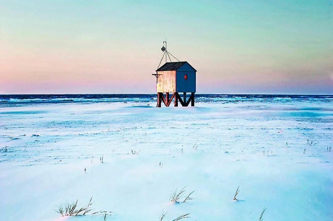 Wie gemalt: Im Winter hat der Strand von Vlieland einen besonderen Reiz.     Foto: dpa