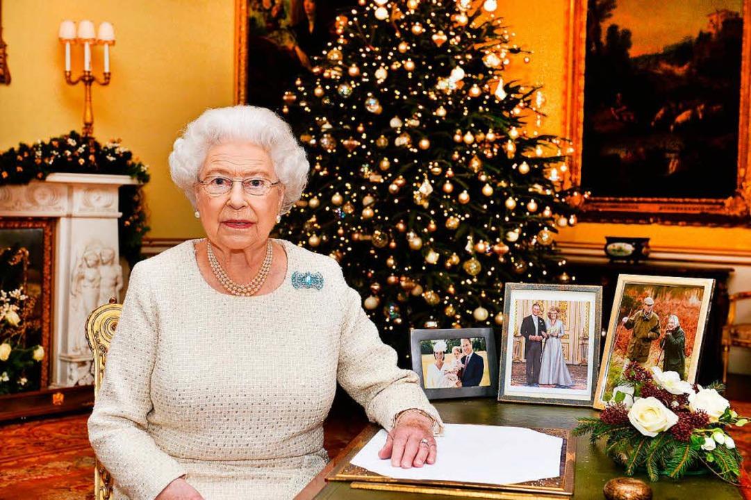 Die Weihnachtsansprache der Queen am E...ele Briten auf ihrenFernsehgeräten an.  | Foto: John Stillwell