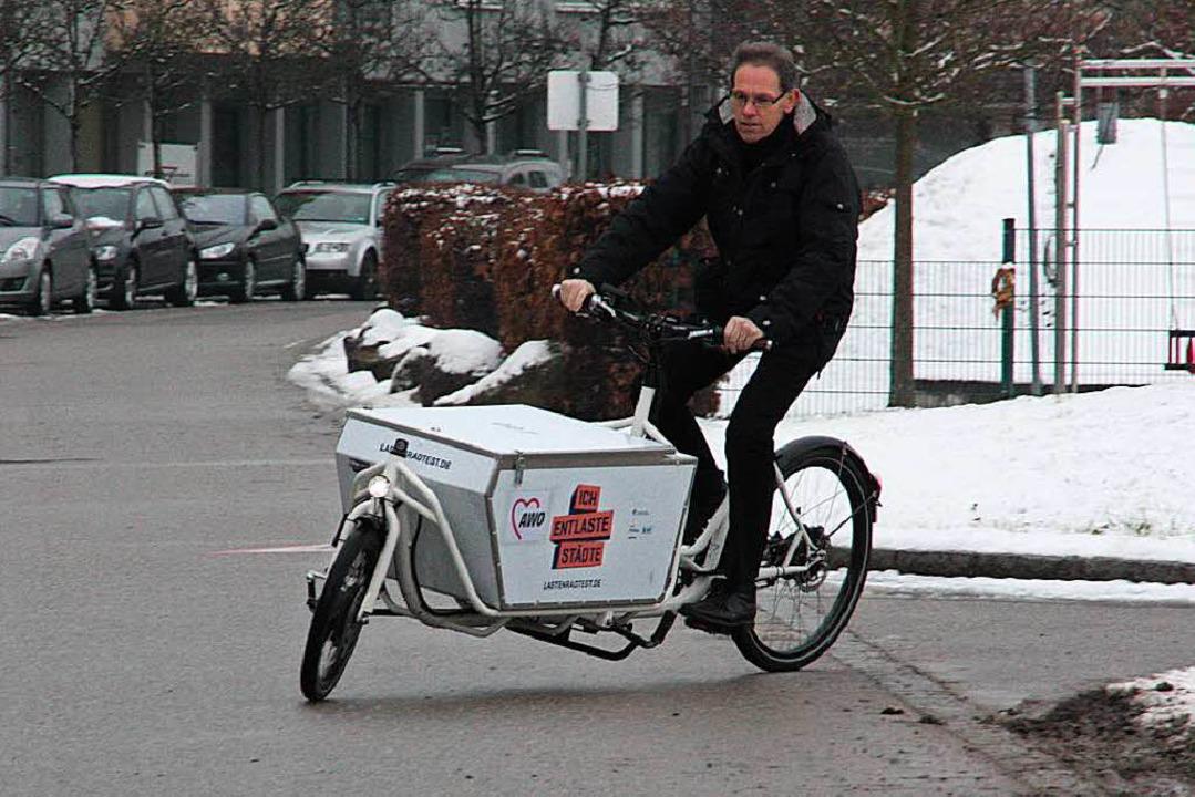 Der Umweltbeauftragte Ralf Däubler wil...stphase für das Lastenrad verlängern.   | Foto: Jörn Kerckhoff